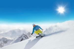 Winter Sonne Berg Skifahren ALDI SUISSE TOURS