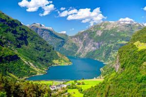 Norwegische Fjorde oder Ostsee & Baltikum - Kreuzfahrt