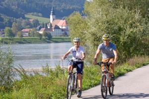 Velo & Schiff - Entlang der Donau