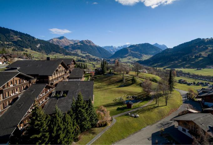 Hotel Huus Gstaad****sup. in Saanen-Gstaad | ALDI SUISSE