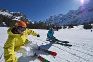 Kandersteg Schweiz Winter Berge Skifahren ALDI SUISSE TOURS