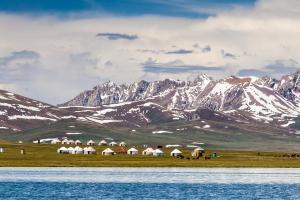 «Durch das wilde Land der Nomaden» - Rundreise Kirgistan