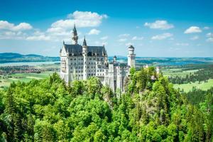 Places to be: Neuschwanstein ALDI SUISSE TOURS