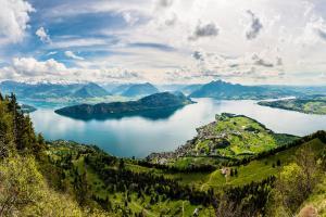Wandern in der Ferienregion Vierwaldstättersee ALDI SUISSE TOURS