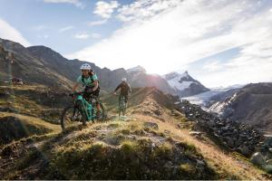 Velofahren in Zermatt ALDI SUISSE TOURS