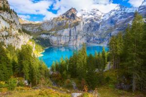 Oeschinensee in Kandersteg ALDI SUISSE TOURS